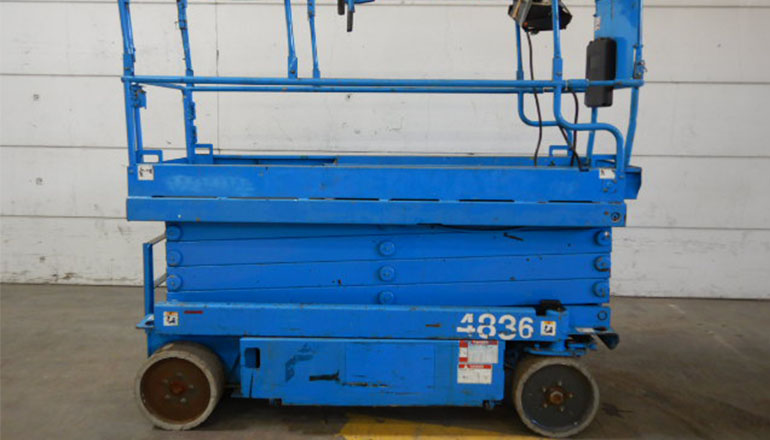 Aichi SV 08 Scissor Lift For Rent