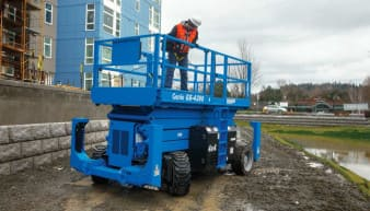 Genie GS 4390 Scissor Lift For Rent