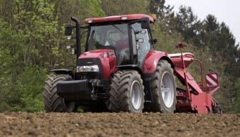 Rentaga Case IH CVX 130 Tractor