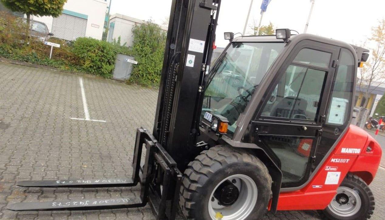Manitou MSI 30 Masted Forklift