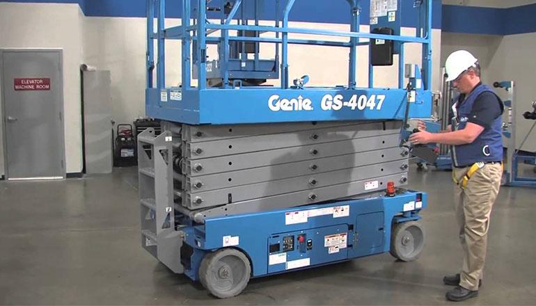 Genie GS 4047 DC Scissor Lifts